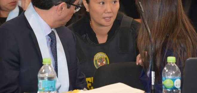 La justicia peruana decidirá si manda a prisión preventiva por 36 meses a Keiko. Foto: AFP