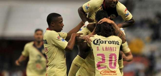 El ecuatoriano fue titular y fue cambiado al minuto 60. Foto:  ROCIO VAZQUEZ / AFP