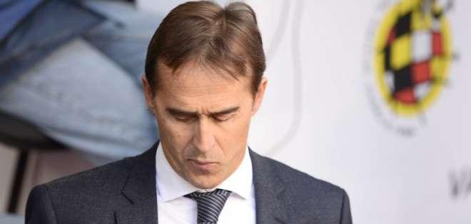 BARCELONA, España.- El entrenador del Real Madrid lamentó el resultado obtenido en el clásico español. Foto: AFP