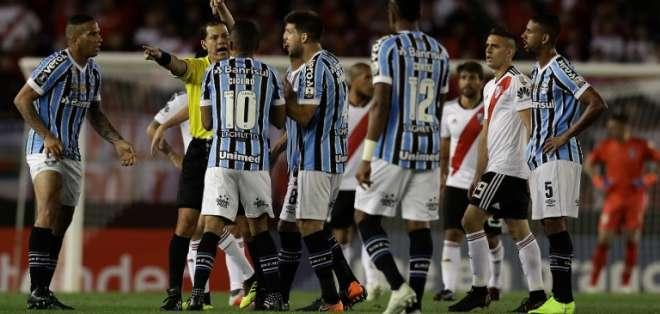 El equipo brasileño pedirá ganar el partido por presencia del entrenador en camerinos. Foto: ALEJANDRO PAGNI / AFP