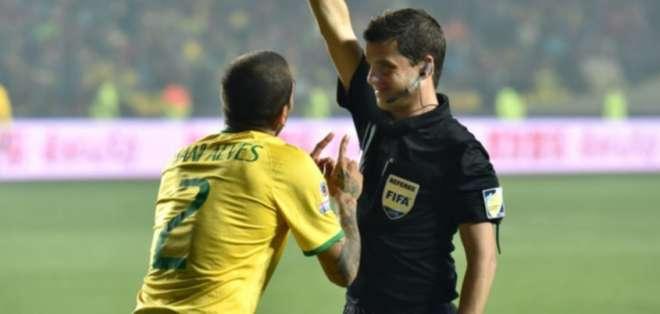 El juez uruguayo ha dirigido a ambos equipos en este Copa Libertadores. Foto: AFP/Archivo