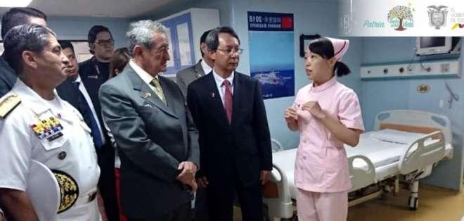 Buque hospital chino brinda atención médica en Ecuador. Foto: AFP