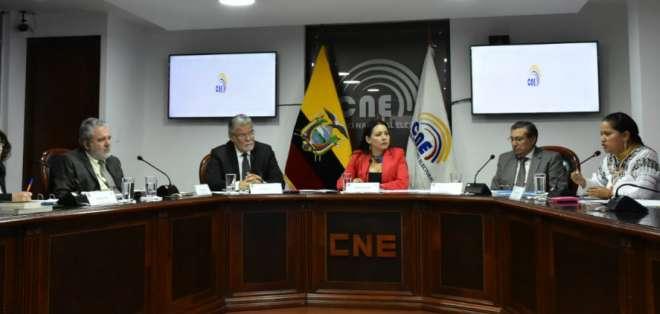 El CNE aprobó la convocatoria por decisión unánime.  Foto: API