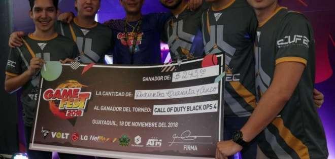 El equipo artilery gaming ganó el torneo de Call of Duty. Foto: