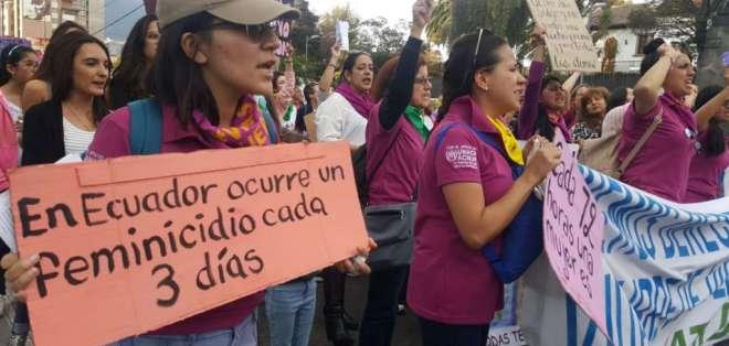 Marcha reivindica en Quito el fin de la violencia machista. Foto: API