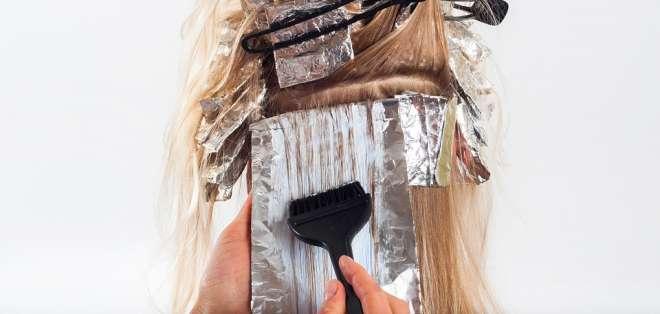 Mujer terminó desfigurada tras teñirse el cabello. Foto: Pixabay