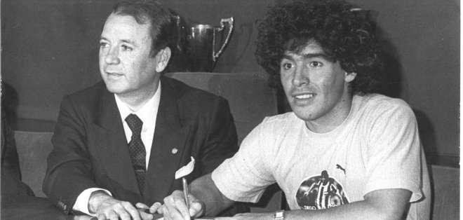 Núñez durante la presentación de Maradona. Foto: Mundo Deportivo