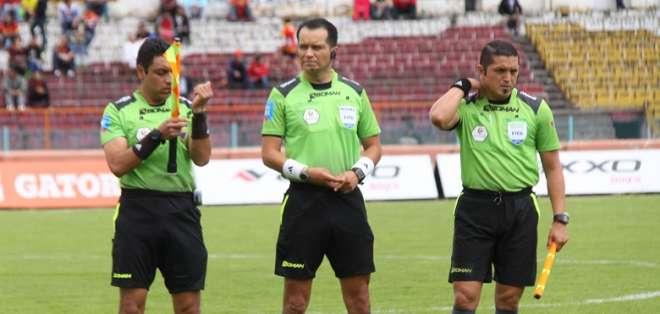El árbitro y el doctor estarán en el duelo entre Junior y Atlético Paranaense. Foto: Archivo