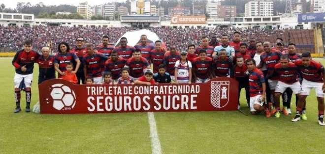 La sanción llegó por una deuda que Deportivo Quito tiene con un exjugador, Martín Andrizzi. Foto: API