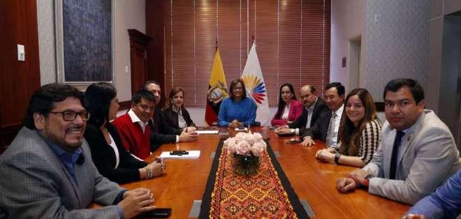 Este jueves, 94 asambleístas aceptaron la renuncia de María Alejandra Vicuña a la Vicepresidencia. Foto: API