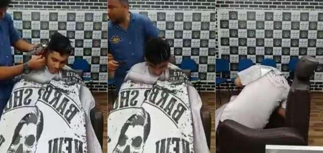 Ocurrió en una peluquería de Fortaleza; un amigo grabó el hecho. Foto: Infobae