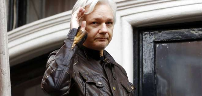 """""""Está hecho el camino"""" para que Assange deje la embajada de Ecuador. Foto: AP - Archivo"""