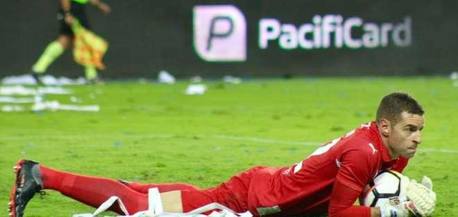 El dirigente de Liga de Quito anunció que quieren comprar al arquero Adrián Gabbarini. Foto: API