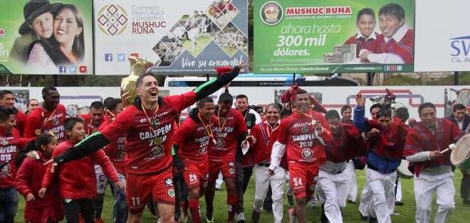 El 'ponchito' empató 2-2 con Aucas en el estadio Chillogallo y ganó el último cupo. Foto: API
