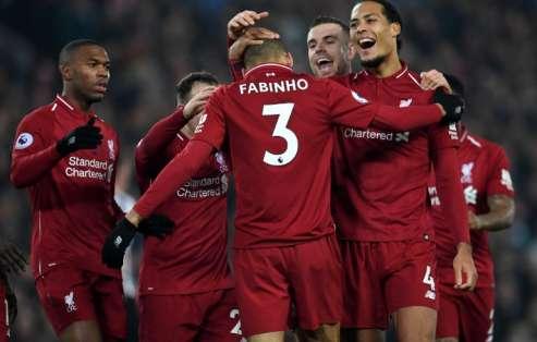 Los 'reds' vencieron 4-0 al Newcastle y aprovecharon la derrota del Manchester City. Foto: PAUL ELLIS / AFP