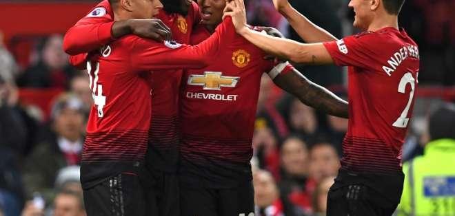 El equipo inglés goleó 4-1 al Bournemouth en el Old Trafford sin Antonio Valencia. Foto: PAUL ELLIS / AFP
