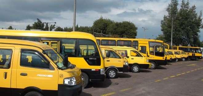 Transportistas escolares anuncian movilizaciones y paralizaciones si precio de diésel aumenta. Foto: Referencial