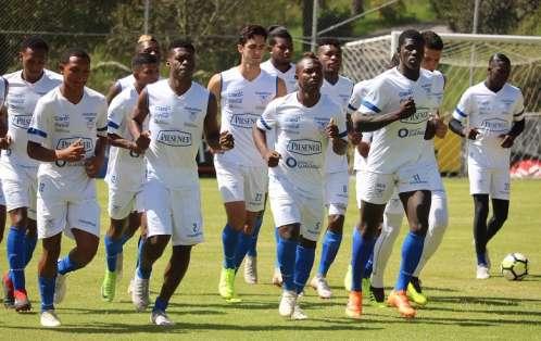El entrenador convocó a 23 jugadores para el torneo que se disputará en Chile. Foto: Tomada de ecuafutbol.org