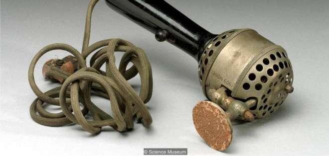 Rachel Maines argumentó que los vibradores mecánicos como este, que data de 1909, fueron usados en mujeres con histeria.