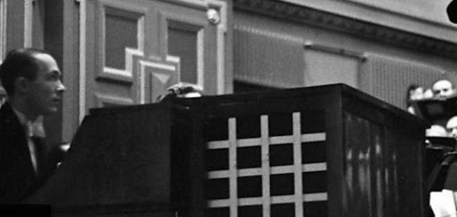Oskar Sala fue la única persona en el mundo que tocó este artilugio.