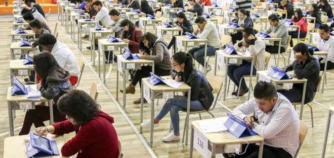 El examen será tomado además el 18 y 21 de enero. Foto: Educación Superior Ecuador