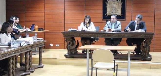 ECUADOR.- El expresidente del Banco Central debe pagar casi $800 mil por reparación integral. Foto: Fiscalía