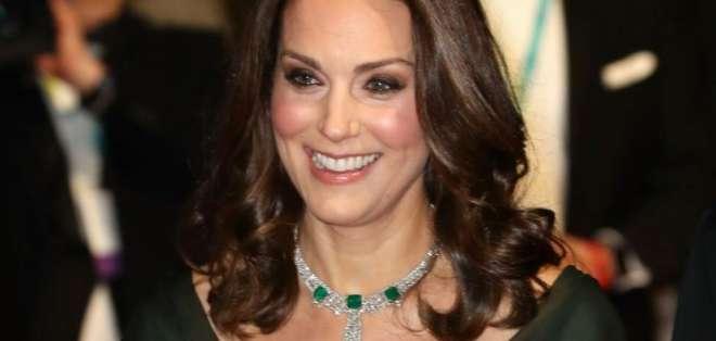 El vestido que hizo que el príncipe William nunca más dejara de mirar a Kate Middleton. Foto: AFP