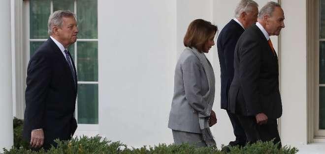 WASHINGTON, EE.UU.- Pelosi y Schumer habían acudido a la Casa Blanca para solucionar el conflicto. Foto: AFP.