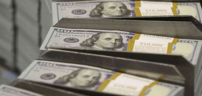 Gobierno esperaba unos $3.000 millones, pero solo se alcanzaron $1.100 millones.  Foto referencial / AP