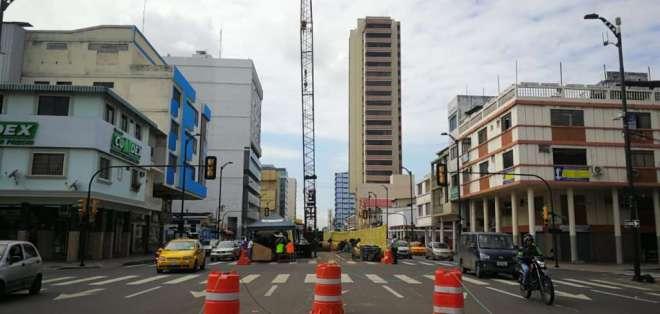 Trabajos de aerovía complican tráfico en la avenida Quito