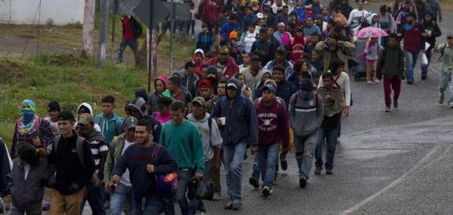 Miles de migrantes retoman su camino hacia EEUU. Foto: AP
