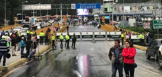 TULCÁN, Ecuador.- Gobierno ecuatoriano exige pasado judicial a migrantes tras femicidio en Ibarra. Foto: Archivo/AFP.