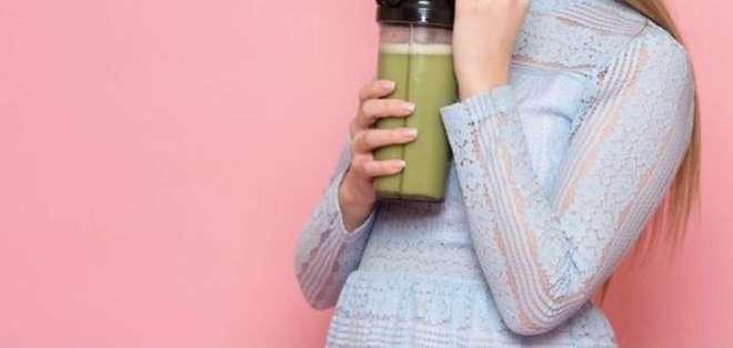 Muchos piensan que el jugo de frutas es una buena forma de obtener vitaminas. Foto: Getty Images