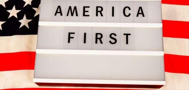 """Derechos de autor de la imagenGETTY IMAGES Image caption """"América primero"""" (América first) y """"sueño americano"""" (American dream)"""