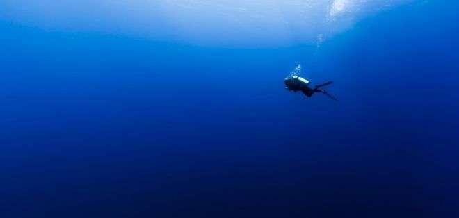 Es probable que el color de los océanos se vuelva más azul, de acuerdo con científicos.