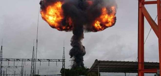 SANTO DOMINGO, Ecuador.- El fuego afectó zonas de cultivos aledañas. Foto: Twitter