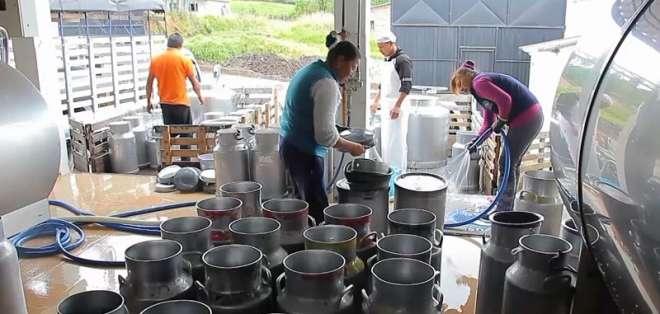 CARCHI, Ecuador.- Productos sobrepasaron límites de acidez y antibióticos. Foto: Captura.