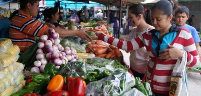 ECUADOR.- En la Sierra, la canasta familiar básica se registró en $731, en promedio, según el INEC. Foto: Archivo