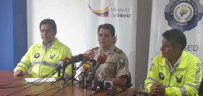 QUITO, Ecuador.- Victor Aráus, jefe de la Dinased, confirmó que solo uno de los detenidos tiene antecedentes. Foto: Policía