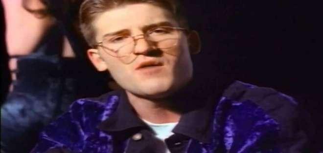 """""""Informer"""" alcanzó el primer puesto de la lista Hot 100 de Billboard en los 90. Foto: Captura Video."""