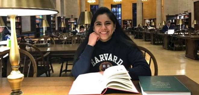 Dafne Almazán fue aceptada para cursar una maestría de enseñanza de matemáticas.