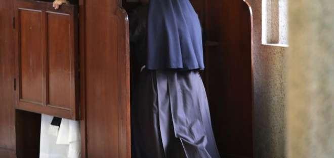 Las acusaciones de abuso de una exreligiosa francesa contra un cura. Foto: AP