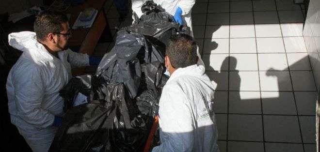 Más de 1.500 cuerpos no identificados fueron incinerados en Jalisco. Las cenizas permanecen en bolsas de plástico.