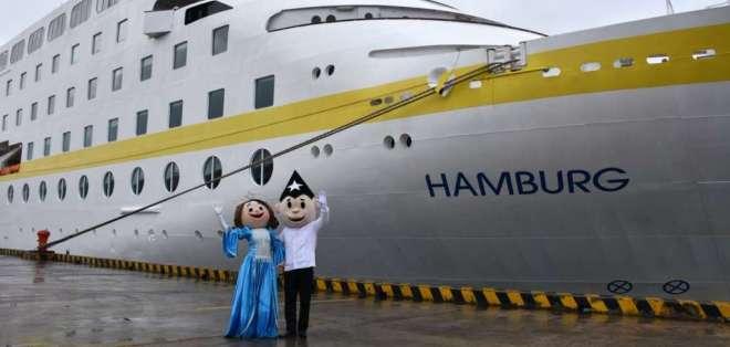 Crucero Hamburg arribó a Guayaquil con turistas alemanes, austriacos y suizos. Foto: @GyeTurismo