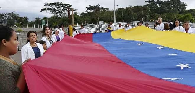 Protesta de médicos contra el gobierno de Nicolás Maduro. Foto: AFP