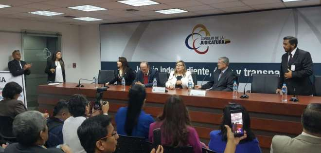 Veedores internacionales conocerán casos de exjudiciales destituidos en el correísmo. Foto: API