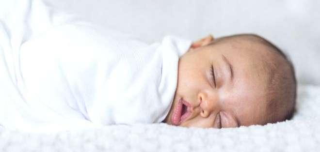 Los bebés hacen una respiración diafragmática, mientras que los adultos tendemos a hacer respiraciones más cortas. Getty Images