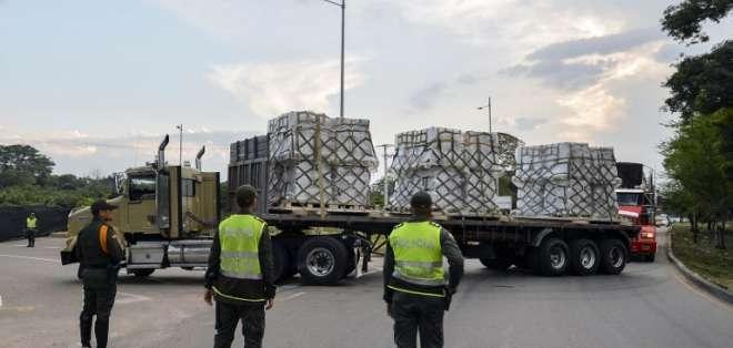 """Maduro califica de """"migajas"""" de """"comida podrida y contaminada"""" la asistencia. Foto: AFP"""