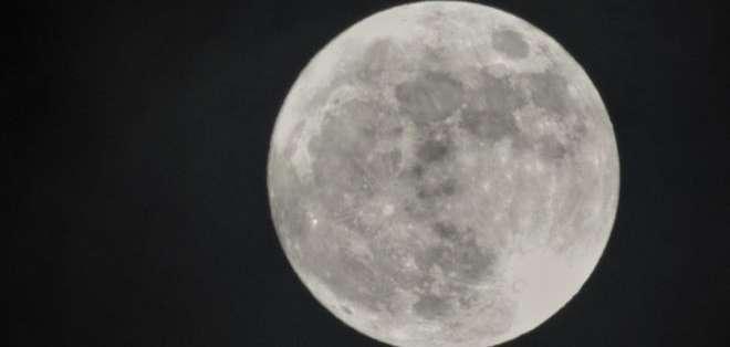 """La """"Luna de nieve"""" que veremos este martes es la segunda superluna del año."""