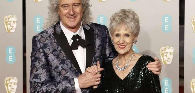 Brian May junto a su esposa, Anita Dobson. Foto: AFP